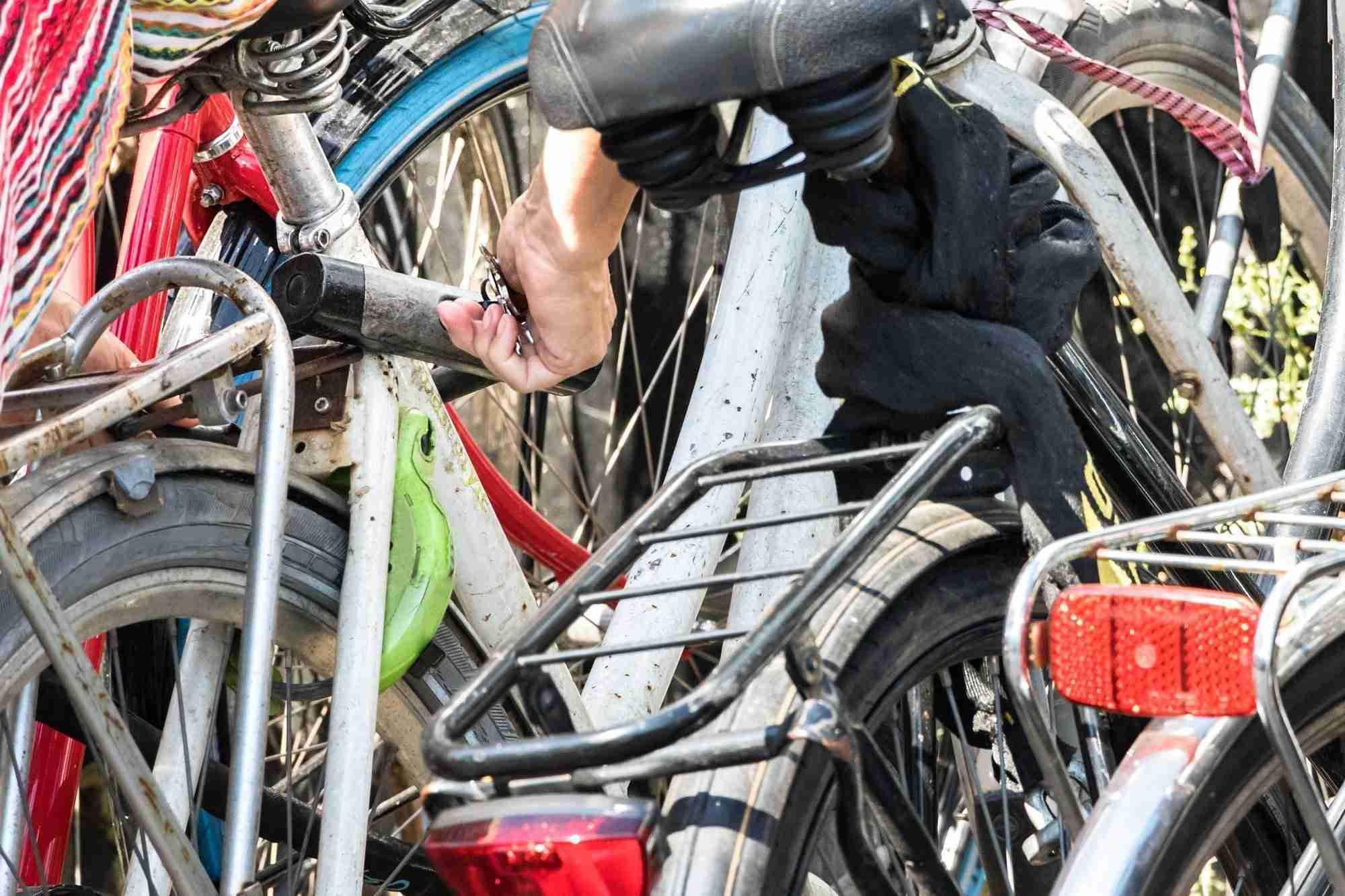 How To Lock Bike With A U Lock Today S Bike